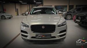 Jaguar F-Pace 3.0 V6 Supercharged (380 л.с.)